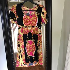 Dresses & Skirts - NWT Patterned Dress